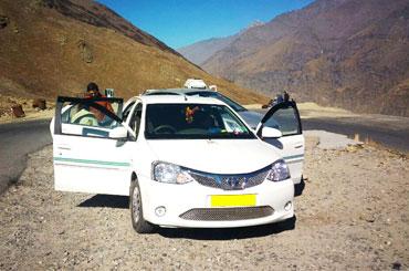 Car Rental Service in Una (HP)